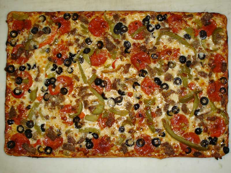 Pepporoni, Black Olives & Peppers Pizza